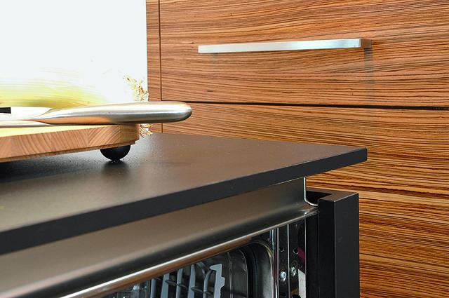 ihr schreiner als partner f r die richtige materialauswahl. Black Bedroom Furniture Sets. Home Design Ideas